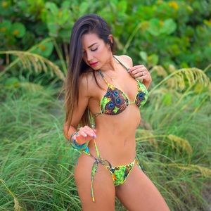Bikini Roraima Jungle Peacok